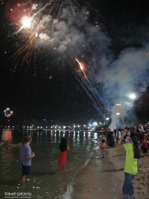 Салют во время празднования Нового года в Паттайе