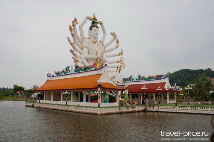 Храмовый комплекс Wat Plai Laem (многорукая Богиня Шива)