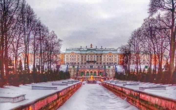 Как нас занесло в Петергоф зимой и стоит ли вам повторять наш опыт